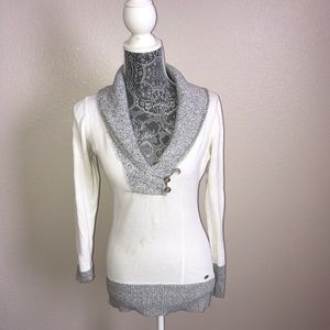 Guess Gray & White Sweater
